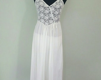 Vintage 1960sWedding White Lace Ballerina Style Nightgown Slip Chemise S by Tom Bezduda for Barad and Co. from Lord and Taylor