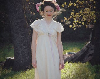 Size S/M... Vintage 1970s Victorian Revival Romantic Dress... Neo Victorian 70s Maxi Dress