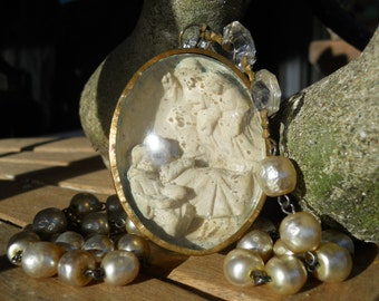 Silent Night                   Antique Meerschaum Haskell Baroque Pearl Necklace