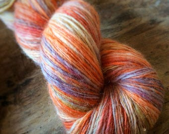 Wanderlust - NZ corriedale wool  - single thread handspun shawl yarn 97gr 436m