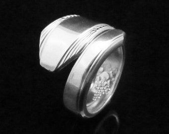 Antique Simple Spoon Ring Flower, Festival 1938