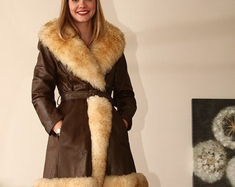 BEST vintage 60s 70s QUALITY brown fur trimmed princess coat