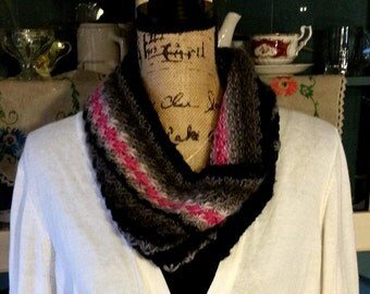 Striped Star-Patterned Cowl Infinity Scarf Handknit