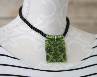 Jacquard Print Green Choker Necklace