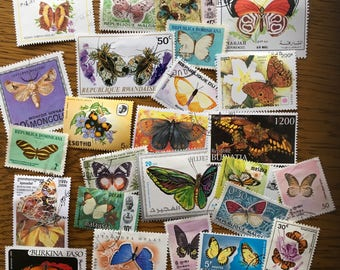 25 butterfly moth colorful postage stamps for collage, scrapbooks collecting philately. B6