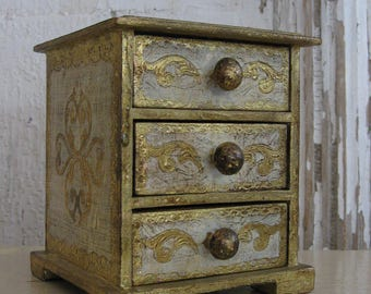 Vintage florentine chest, gold and white, 3 drawers, Made in Italy, Shabby Chic, jewelry box