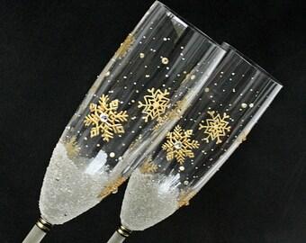 Snowflakes Glasses, Winter Wedding Glasses, Champagne Glasses, Gold Toasting Flutes, Wedding Champagne Flutes, set of 2