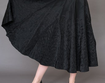 "50s Full circle BLACK TAFFETA skirt 28""W Small"
