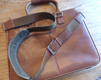 Original Authentic 1980's Cole Haan Messenger Bag/Briefcase 100% Leather/Canvas Interior