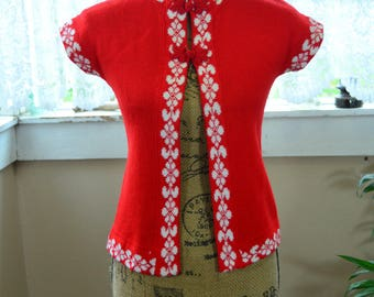 Vintage Red and White Sweater Shirt - 4 - 6