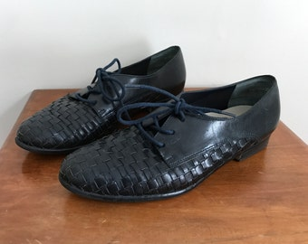90s woven leather navy blue oxfords US 6 M