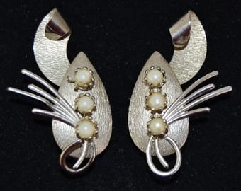 Vintage Clip-On Earrings in Silver-Tone Metal with Faux Pearls by Delsa