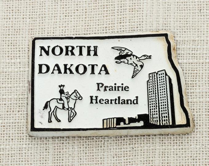 "Vintage North Dakota State Silhouette Magnet | ""Prairie Heartland"" Bismarck Travel Tourism Summer Vacation Memento | USA America | Fridge 5S"