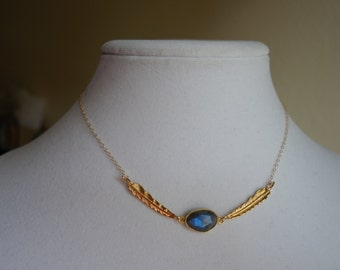 Detailed Feathers Adoring Fiery Labradorite Necklace