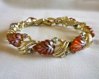 Red Frosted Lucite Leaf Bracelet Signed STAR, Vintage Thermoset Link Bracelet