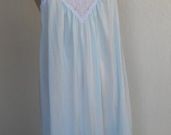 Reserved for Sharon Summerford  ~ Vintage Nightgown Lace Nylon Negligee Tom Bezduda for Barad & Co Size Medium