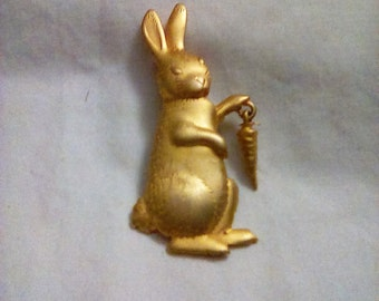 Vintage JJ Gold tone Rabbit with a carrot