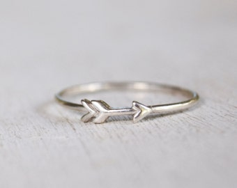 sterling silver minimalist arrow ring - handmade - metalwork - simple jewelry - delicate ring - thin band - gift for her