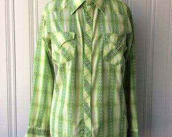 vintage Plaid Shirt Cotton Western Pearl Snap Cowboy Light green and yellow and white Long tail Chest