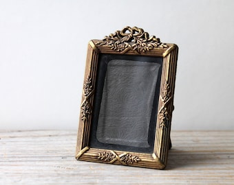 Victorian style vintage brass frame / miniature metal frame / dark Victorian era mourning style desk frame / country cottage home decor