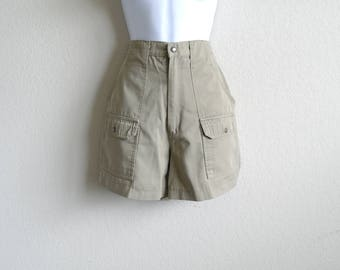 Vintage 90s Khaki Shorts, High Waisted Shorts, Womens Shorts, Hiking Shorts, 90s Shorts, Beige Shorts, Pockets, 4.25 Hem, Size 12, 27 Width
