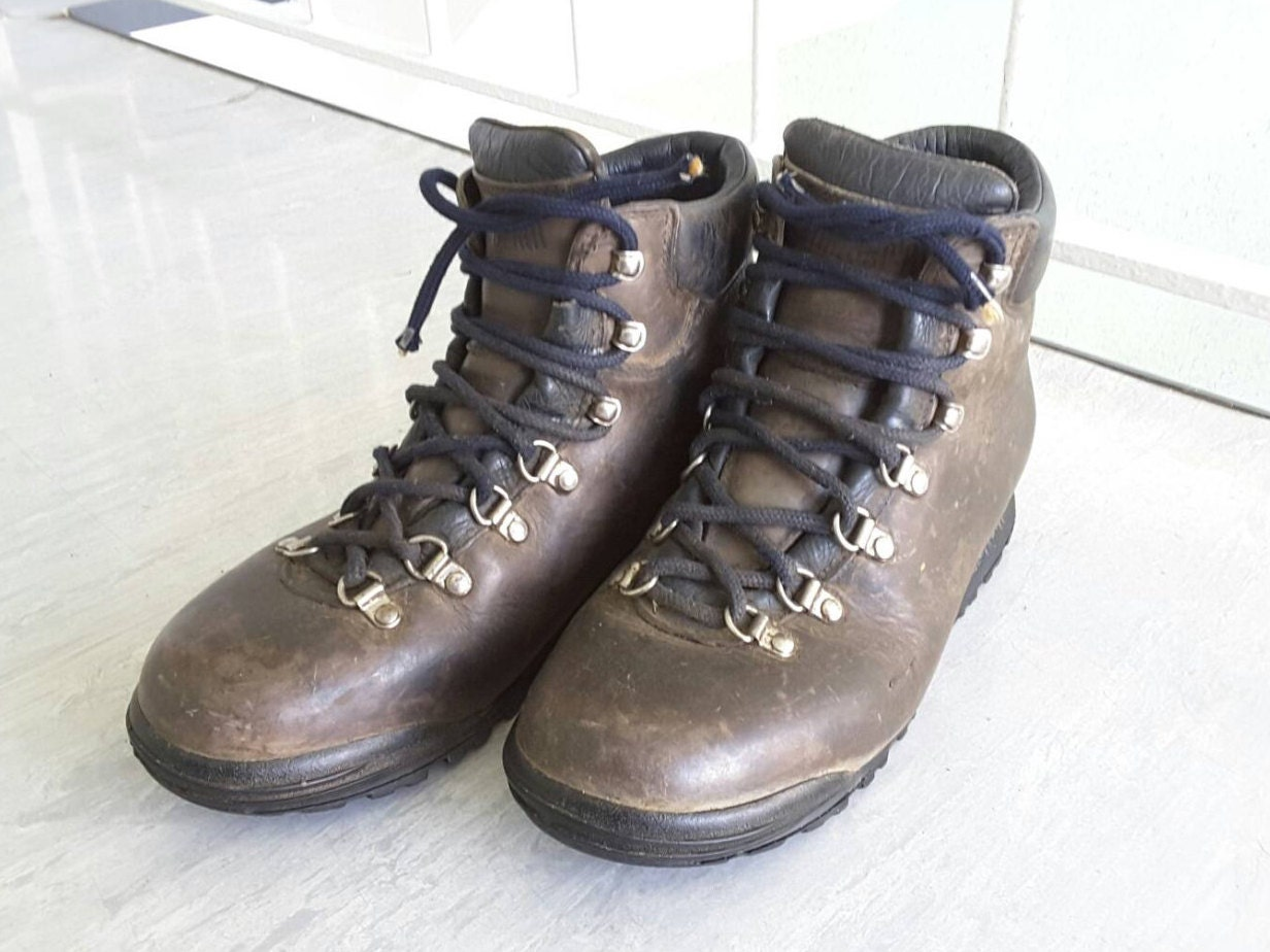 sale vintage 1980s 1990s zamberlan leather hiking boots