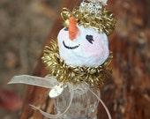 Sally Snow, Christmas decor: Sweet salt shaker snowman decoration with tinsel, charm and tiny bottle brush tree