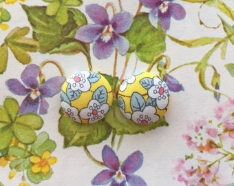 Fabric Covered Button Earrings / Yellow Flowers / Wholesale Jewelry / Stud Earrings / Gifts for Her / Birthday Present / Liberty of London