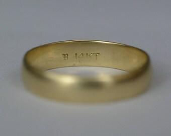 Vintage 14K Gold Men's Size 11 Wedding Band Aproximately 4 Grams