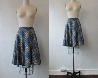 1950s plaid skirt | vintage 50s plaid skirt | vintage plaid blue and white skirt | vintage plaid wool skirt | small | The Study Break Skirt
