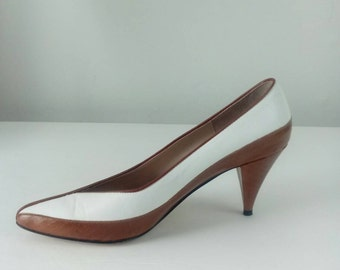 TWO TONED Italian Leather Pumps by Van Eli Size 6M Vintage Womens Shoes SUB103
