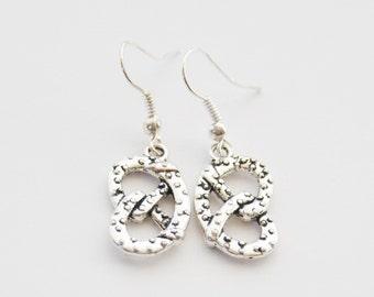 Mothers Day gift, Pretzel Earrings, Pretzel Jewelry, Pretzel Gifts, Pretzel Jewellery, Gifts Under 20, Fast Food gift, Hot Pretzel Jewelry