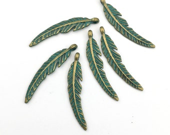 6 feather charms gold tone  and green patina, 8mm to 40mm #CH 727
