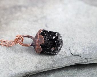 Black Tourmaline Necklace Electroformed Copper Pendant Raw Gemstone Copper Modern Minimalist Jewelry Natural Gemstone