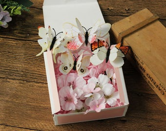 13 hair pins and clips set gift box sakura white pink headpiece 花飛蝶舞 flowers flying butterfly dance