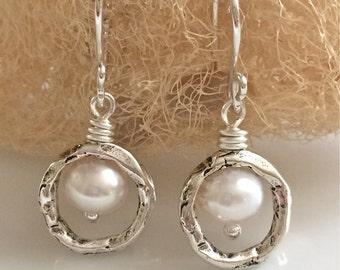 White Pearl Earrings / Fresh Water Pearls / Natural Pearl Earrings / Small Dangle Earrings / Sterling Silver Earrings