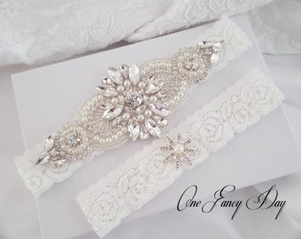 Wedding Garter Set, Bridal Garter set, Lace Garter set, Crystal Bridal Garter, Silver Wedding Garter, Gold Wedding Garter