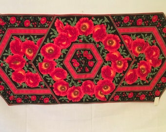Poppy Table Runner, Table Runner, Dinning Table Runner, Kitchen Table Runner