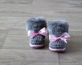 Faux fur baby girl Booties - Gray and pink Newborn winter Boots - Crochet Toddler slippers - Baby Uggs - Baby girl gift - Baby girl shoes