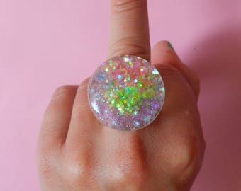 Magical glitter ring