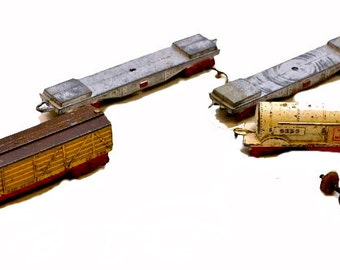 4 1925 Tootsietoy Freight Train Cars