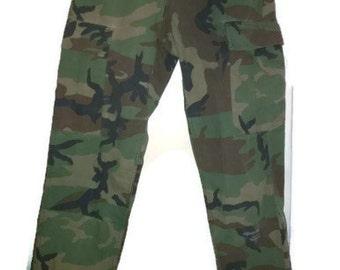 Vintage 90s Pants Army #Military Camoflage#pants VINTAGE 1990s ARMYPANTS #military#pants#camo S