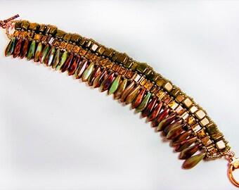 SPIKY BEAD BRACELET, beaded bracelet, beaded jewelry, green bracelet, green jewelry, olive green, light green mottled green, toggle - 1745