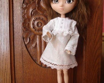 Dress with pale green lace and old lace, for dolls Pullip