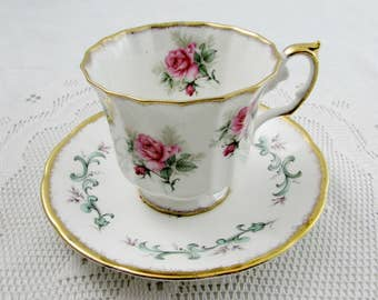 Elizabethan Tea Cup and Saucer with Pink Roses, Vintage Teacup and Saucer, English Bone China
