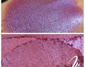 Sea of Swirly Twirly Gumdrops - Red-Violet Eyeshadow Pigment - ili