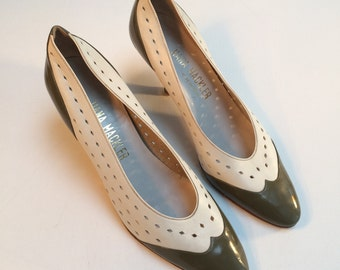 Hana Mackler Shoes, Made in Italy, Spectator  Shoes, White leather and Olive Green Patent Leather, Women's US. 8.5 N