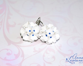 White Flowers Earrings White Floral Earrings Bridesmaid Earrings White Wedding earrings White Wedding jewelry  White bridal earring Romantic