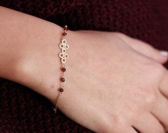 Gold Garnet Bracelet, 14K Solid Gold Beaded Bracelet, January Birthstone, Stacking Bracelet, Red Stone Bracelet, Geometric Bracelet, GB0318