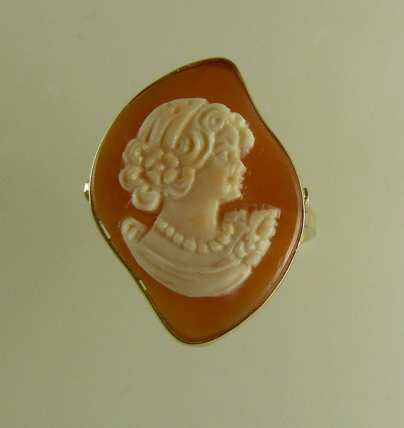 Cameo 23 mm x 17 mm Lady Face Ring with 14k Yellow Gold,Size Selectable